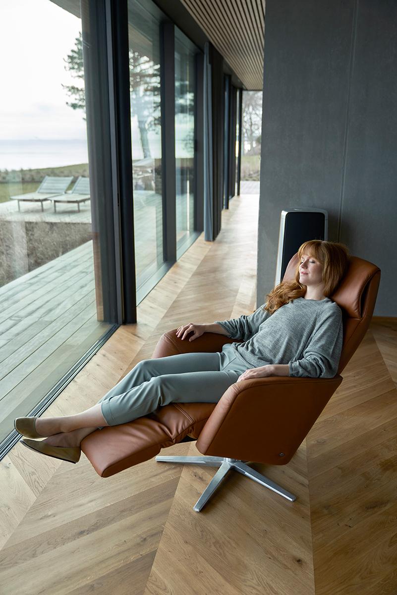 Auch Zuhause lässt sich im Urlaub prima entspannen - zum Beispiel in dem Relaxsessel Scott von Stressless.
