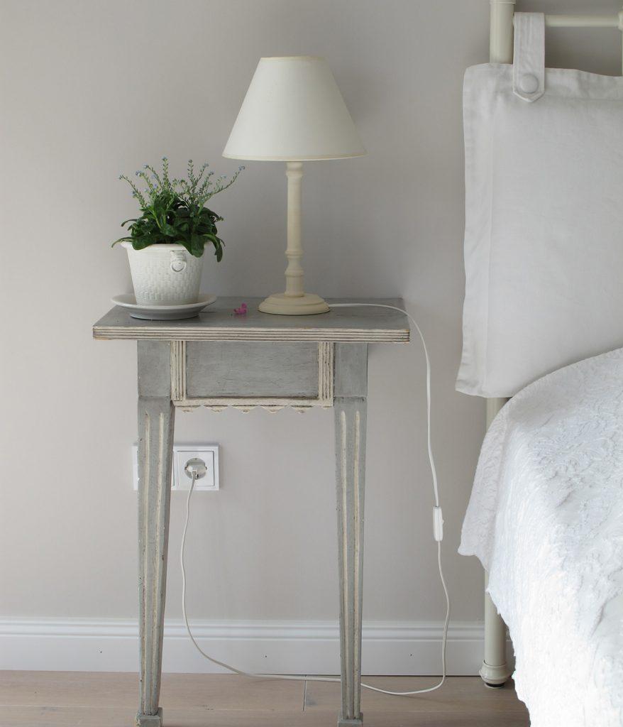 Eine ruhige Wandfarbe kann zu einem ruhigen und entspannenden Zuhause beitragen.