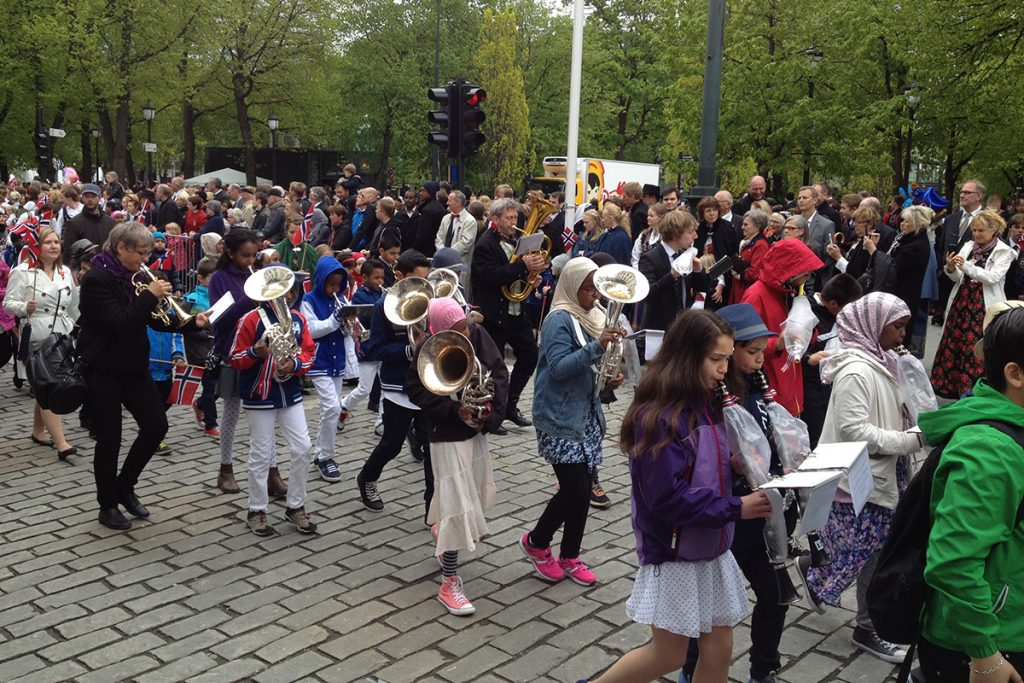 Nationalfeiertag In Norwegen Das Fest Am 17 Mai Lykkelife