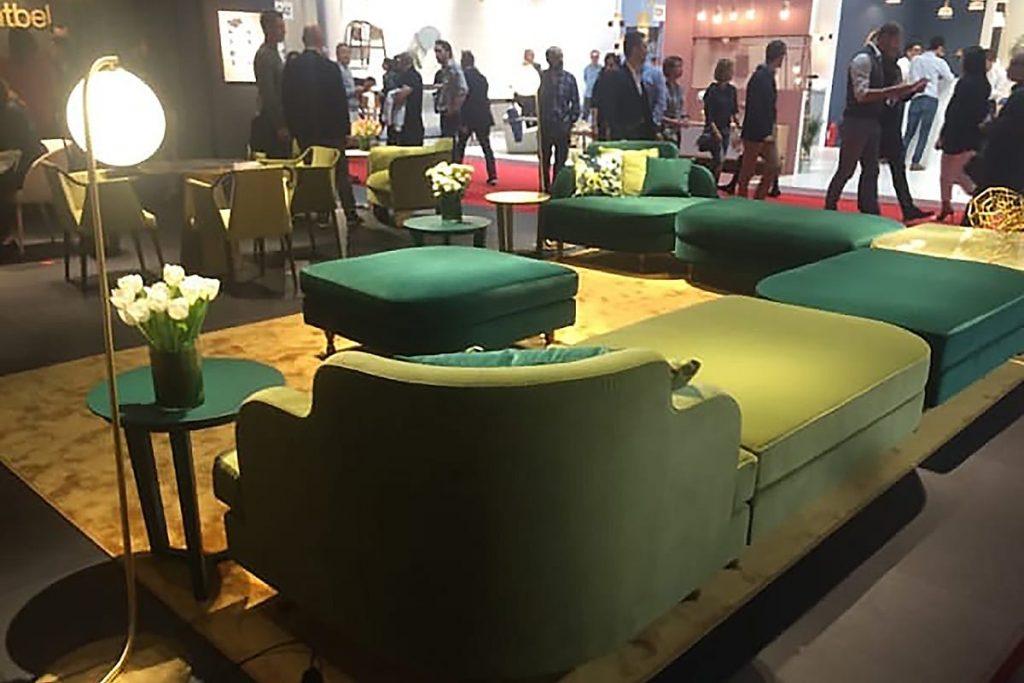 Die neuen Stoffe und Farbkombinationen auf der Mailänder Möbelmesse sind immer wieder inspirierend.