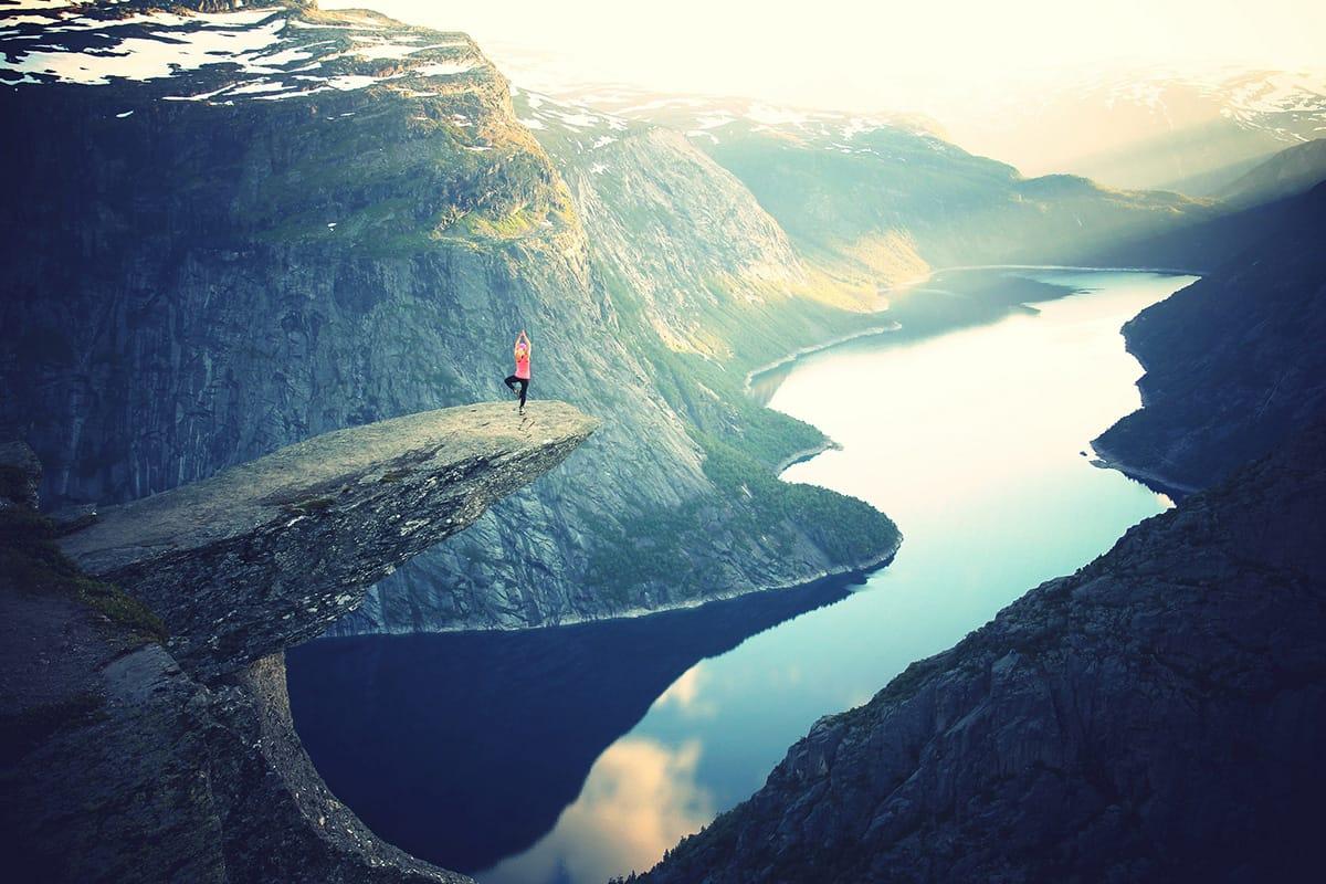 Traditionelle Meditation und Entspannung wie Yoga macht uns gelassener.