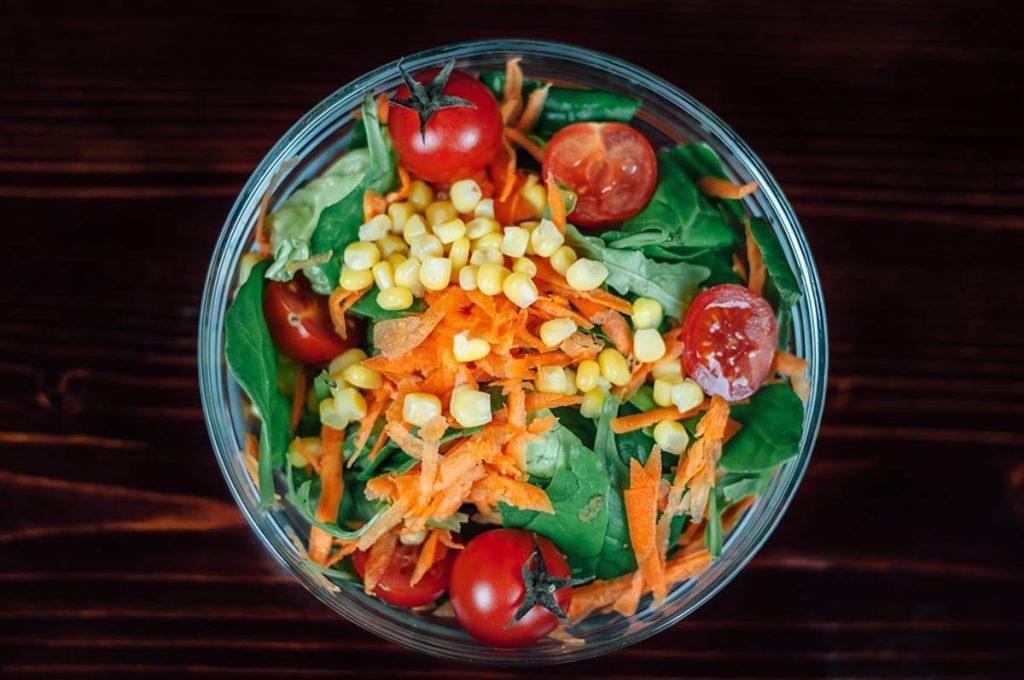 Auch Ernährung spielt für die Regeneration eine wichtige Rolle.