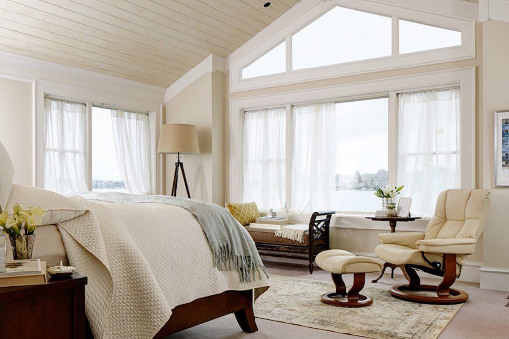 Ein schönes Schlafzimmer schafft Ruhe und Entspannung und fördert erholsamen Schlaf.