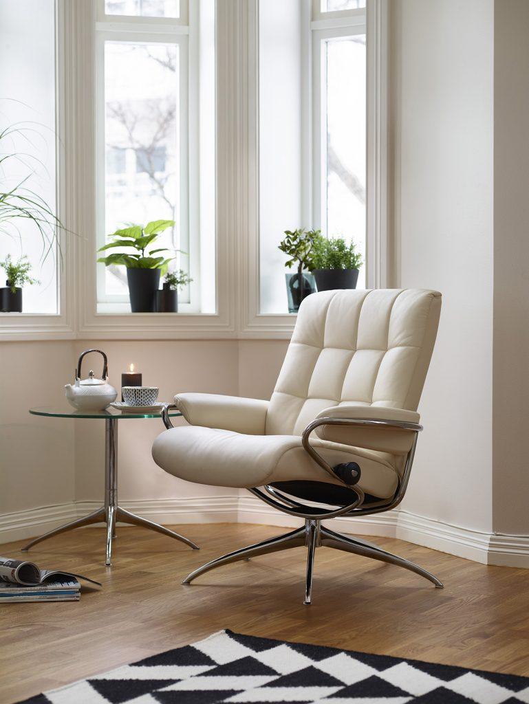 Der Stressless Sessel London - bequem, komfortabel und trendig im Retro-Style.