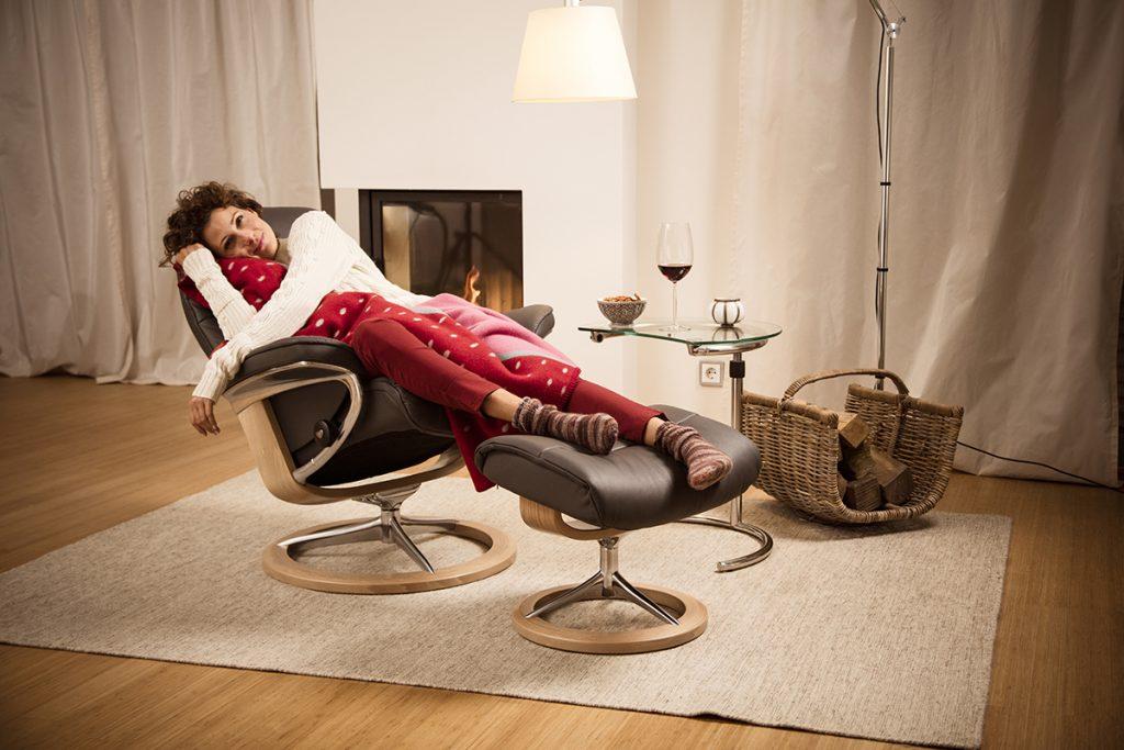 Gemütliche warme Norweger-Pullover und Decken machen den Winter gleich erträglicher.