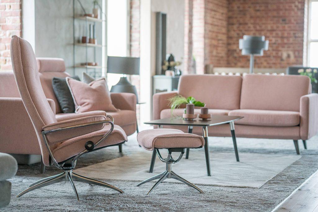 Der Stressless City Sessel und das Stressless Leo Sofa sind in dem neu gestalteten Stressless Ausstellungsraum in Ålesund zu finden.