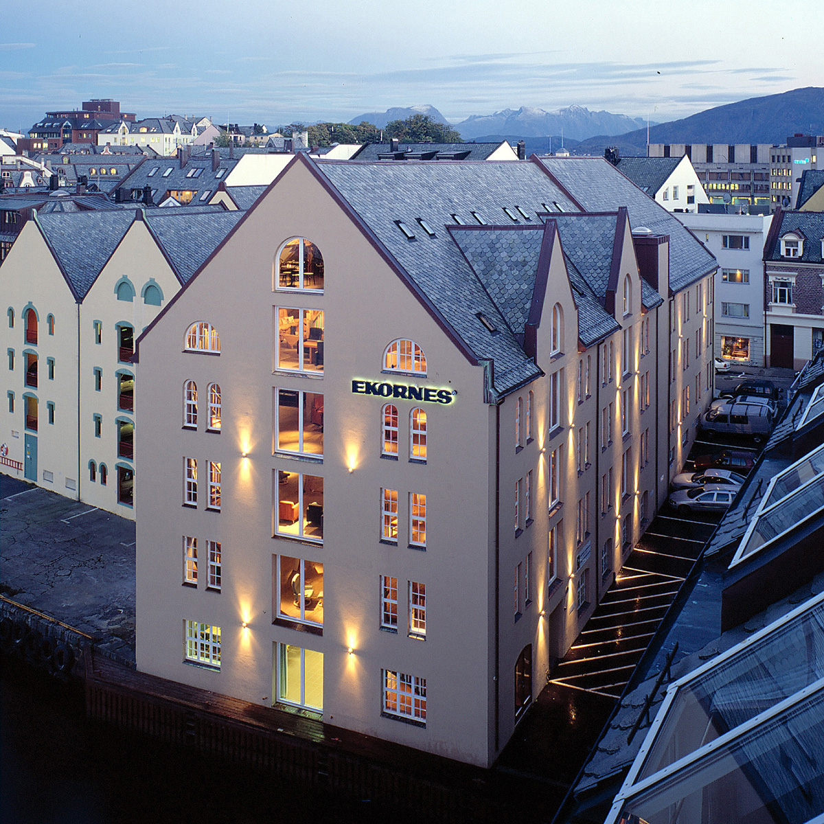 Im norwegischen Ålesund betreibt Ekornes seit 2001 Ekornes Bua, einen Stressless Ausstellungsraum