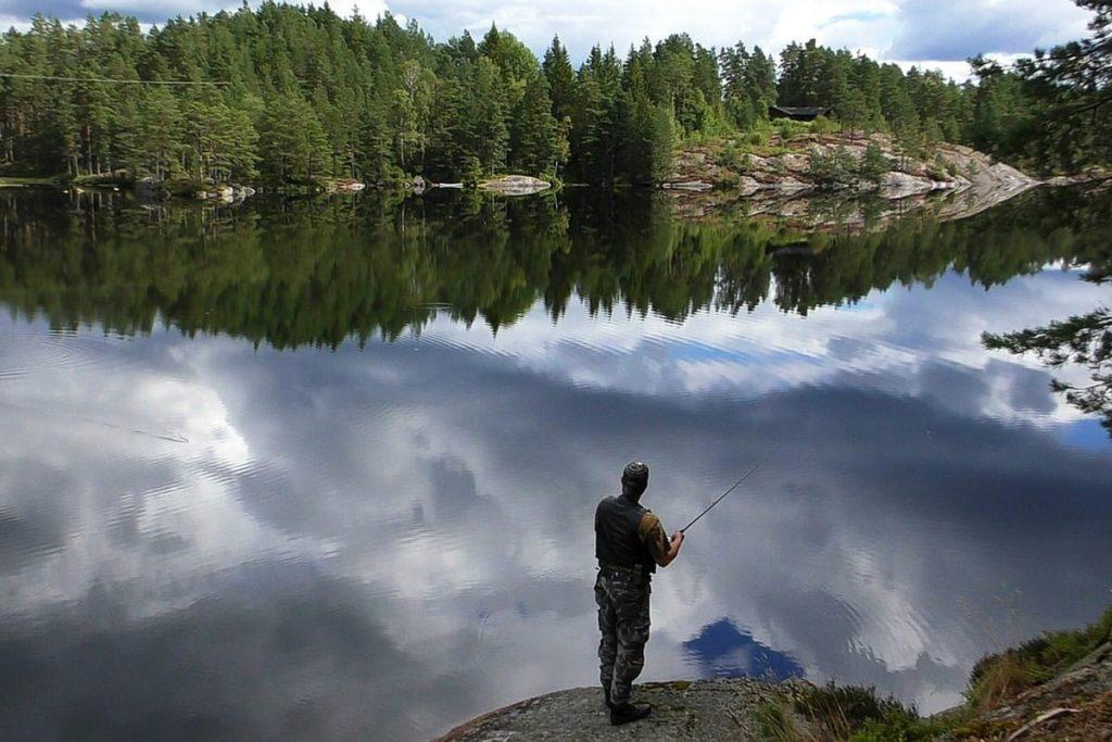Für das Angeln in Norwegen benötigt man keine teure Ausrüstung.