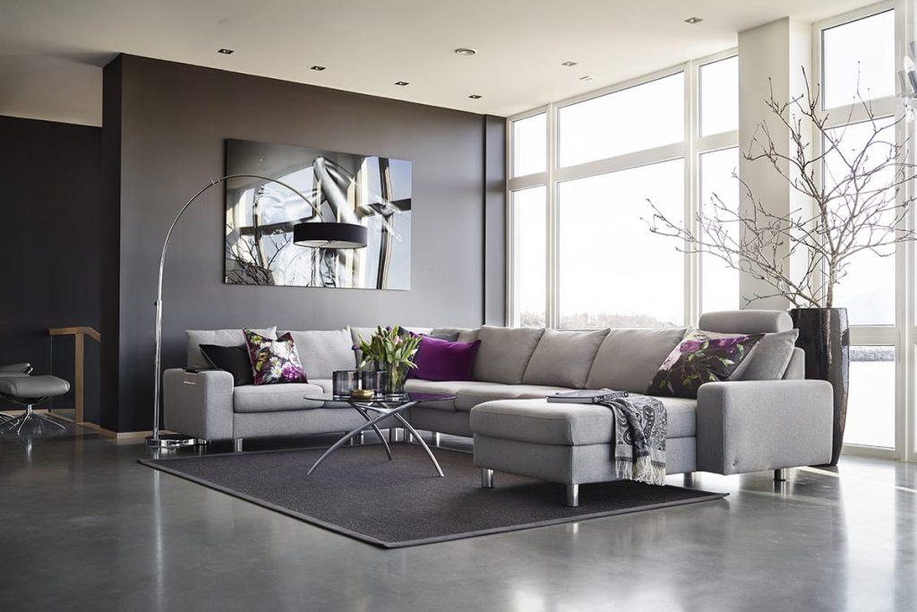 Ein Sofa ist auch der bequeme Mittelpunkt des häuslichen Lebens – besonders wenn es ein Stressless Sofa E200 ist.