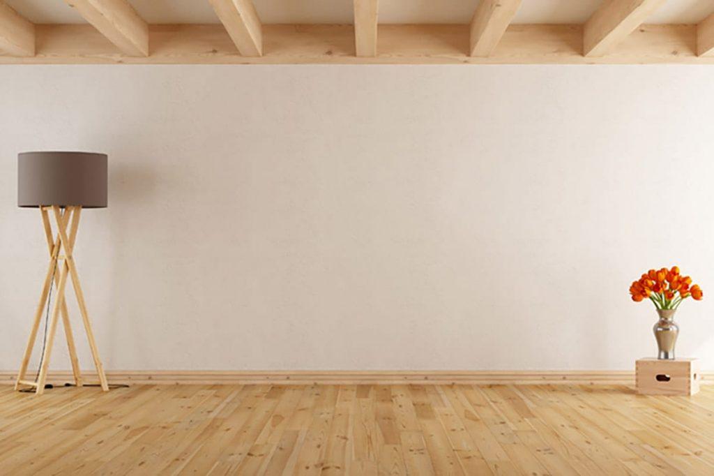 Bei der Planung, wo euer Sofa am besten stehen soll, helfen ein Metermaß und Markierungen auf dem Boden.