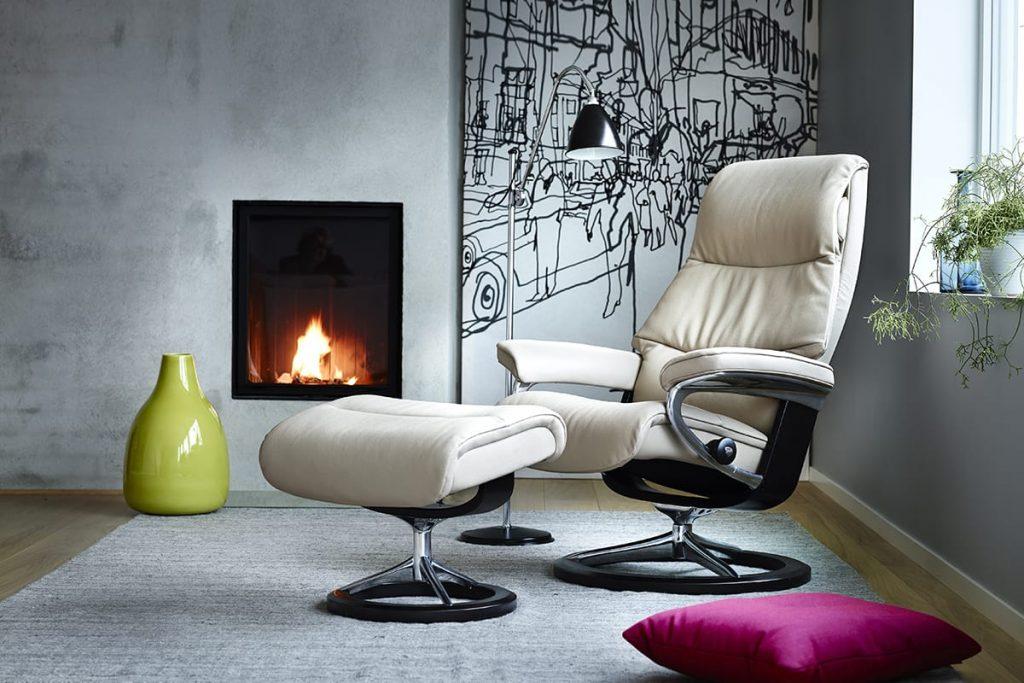 Kombiniert skandinavisches Design, wie den Stressless Sessel View, mit eurem persönlichen Wohnstil und schafft ein Zuhause mit einzigartigem Ambiente.