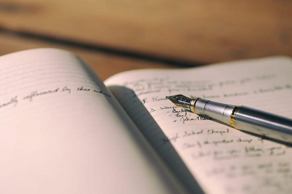 Tagebuch schreiben macht erfolgreicher, entspannter und glücklicher.