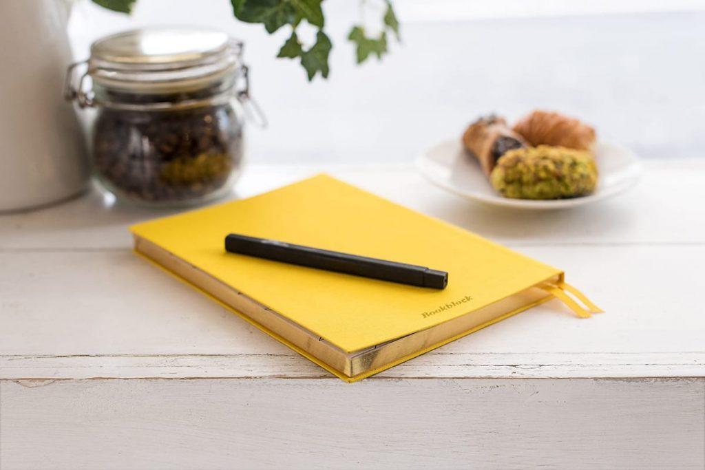 Beim Tagebuch schreiben können wir uns bewusst darüber werden, wofür wir dankbar sind.