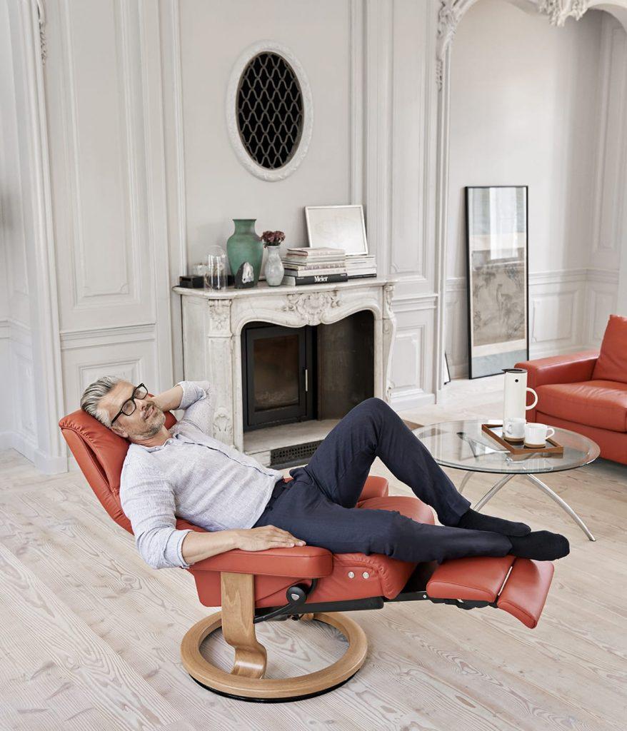 Digital Detox meint auch Entspannungsphasen in eurem Lieblingssessel, zum Beispiel dem Stressless View.