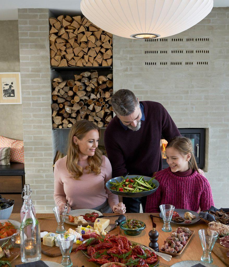 Noch besser schmeckt jede Stressless-Food-Mahlzeit, wenn man sie gemeinsam mit Familie oder Freunden genießt.