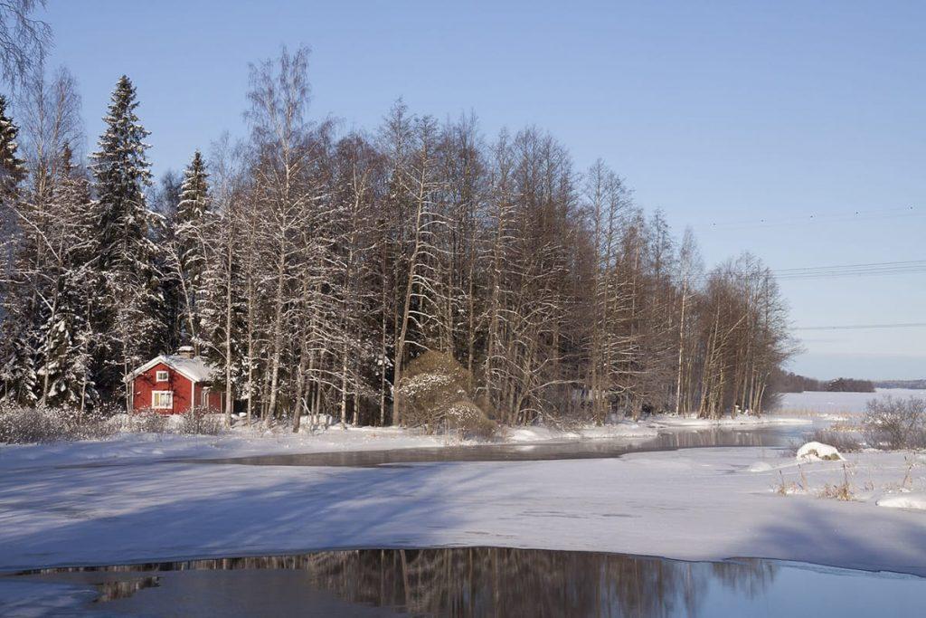 Regelmäßiges Saunieren ist in Skandinavien sehr verbreitet – vor allem im Winter.