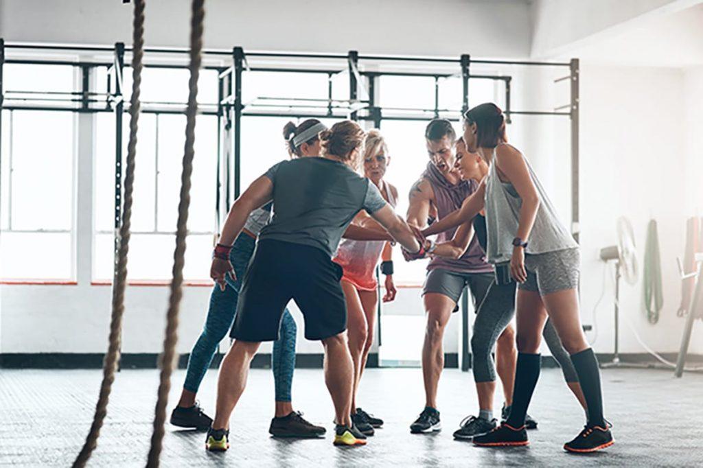 So geht fit werden ganz einfach: Gründet eine Fitness-Gruppe und trefft euch regelmäßig zum Sport.