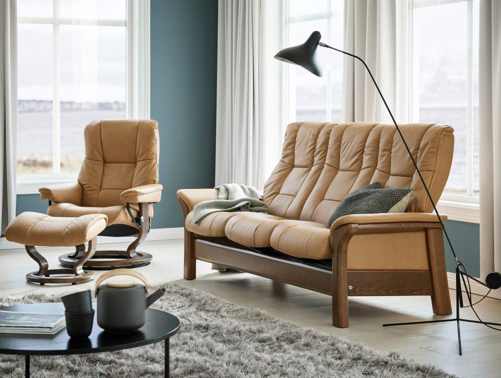 Für die vollkommene Entspannung gilt es, das passende Sofa zu finden, wie hier das Stressless Windsor.