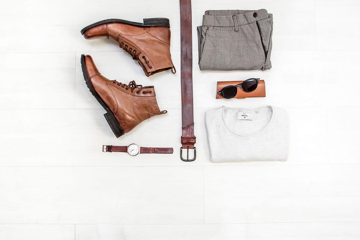 Rollt eure Kleidungsstücke beim Koffer packen, um die Gepäckgröße optimal auszunutzen.
