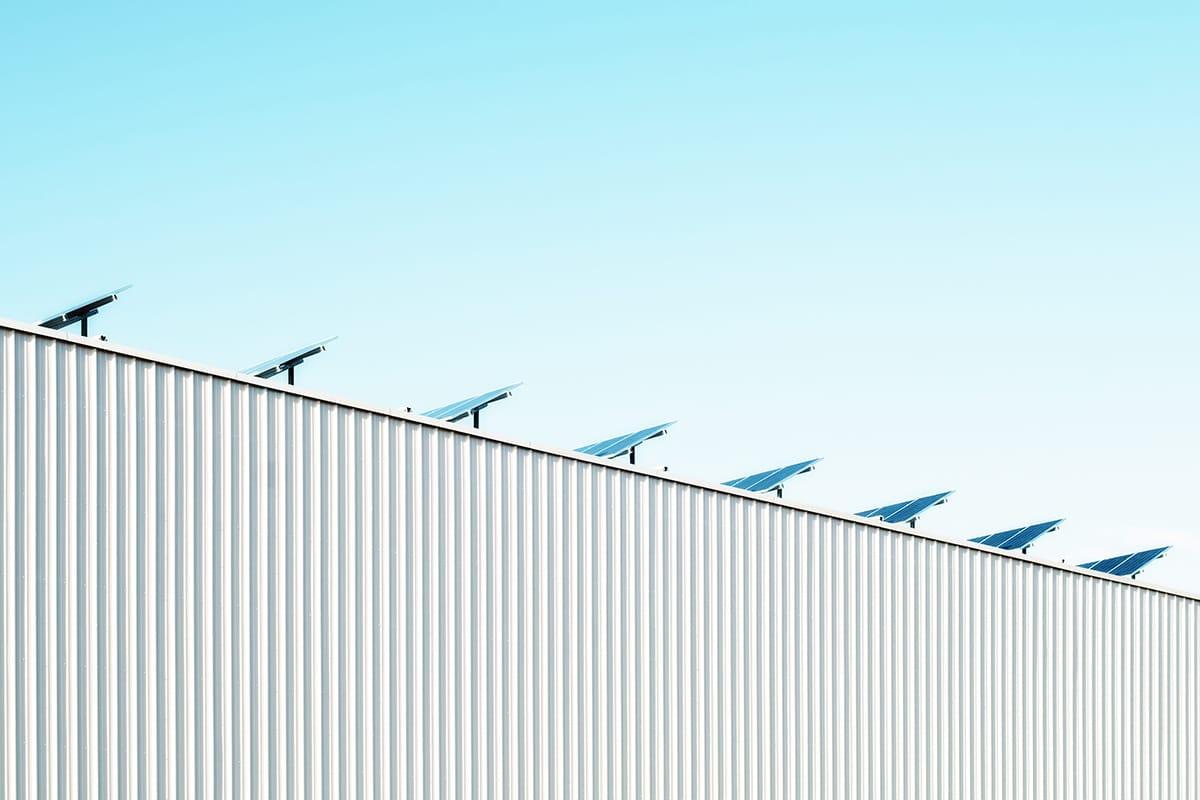Für mehr Nachhaltigkeit setzt Norwegen auf Solarenergie und Geothermik.