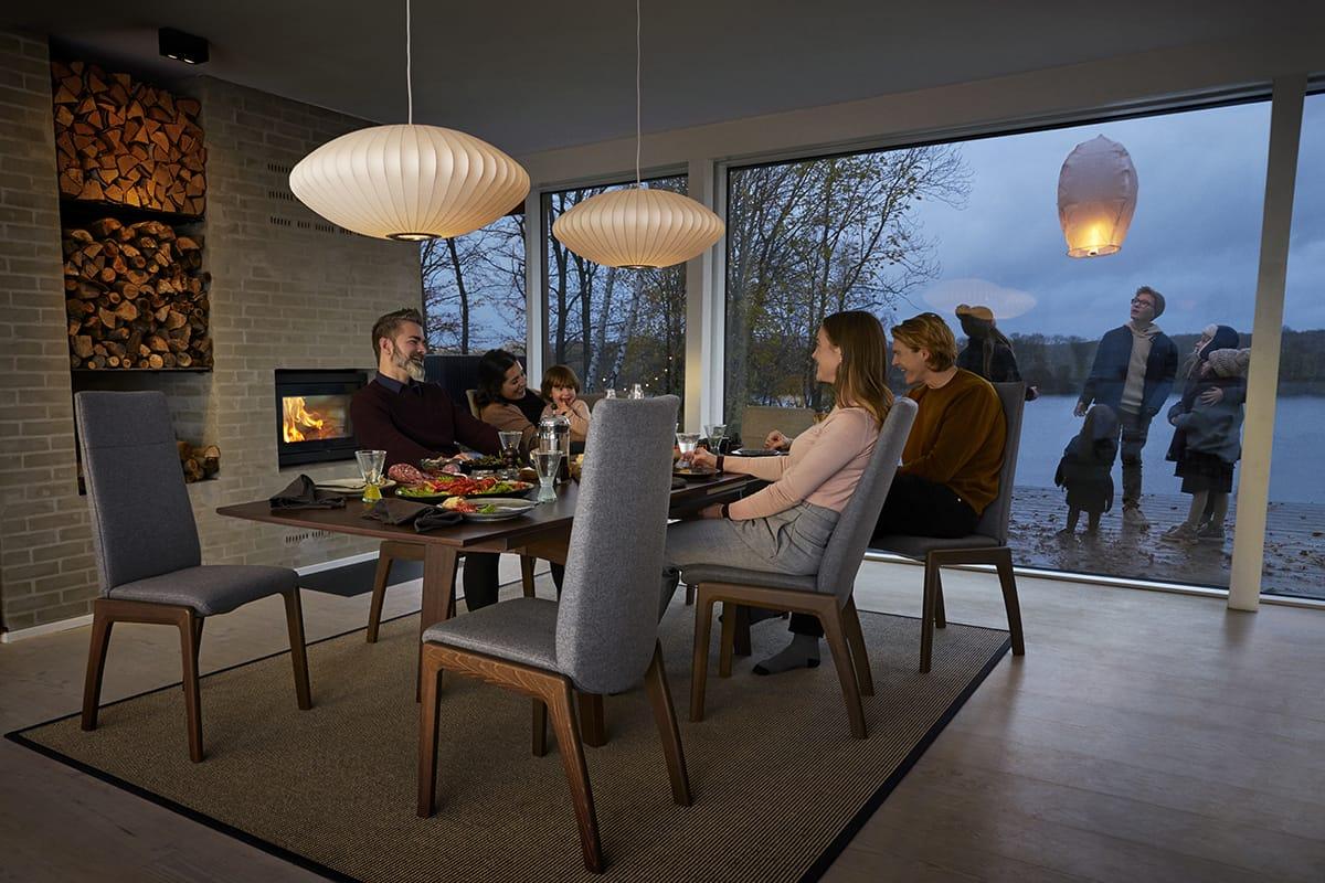 Wenn ihr im Herbst euer Zuhause mit Stressless Dining Möbeln besonders genießen wollt, bringen herbstliche Wohnideen die Natur und Gemütlichkeit ins Haus.