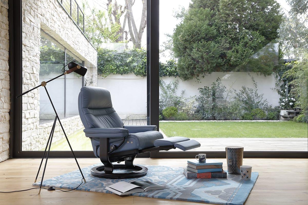 Einen richtigen Sessel finden in klassischem Design und mit maximaler Gemütlichkeit – das gelingt mit Stressless Sunrise mit LegComfort™ System.
