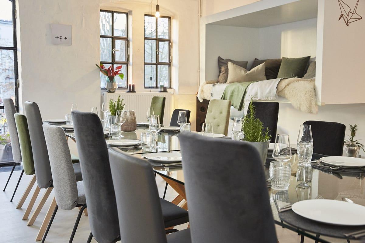 Stressless Dining Stühle sind bequem und überzeugen durch klares, skandinavisches Design – genau das Richtige für die hyggelige Weihnachtszeit.