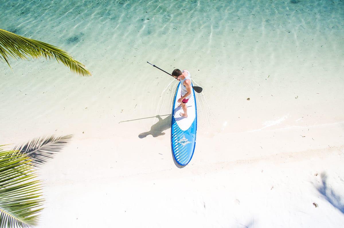 In abgelegenen Resorts ohne Handy-Empfang oder am Strand könnt ihr stressfrei den Moment genießen.