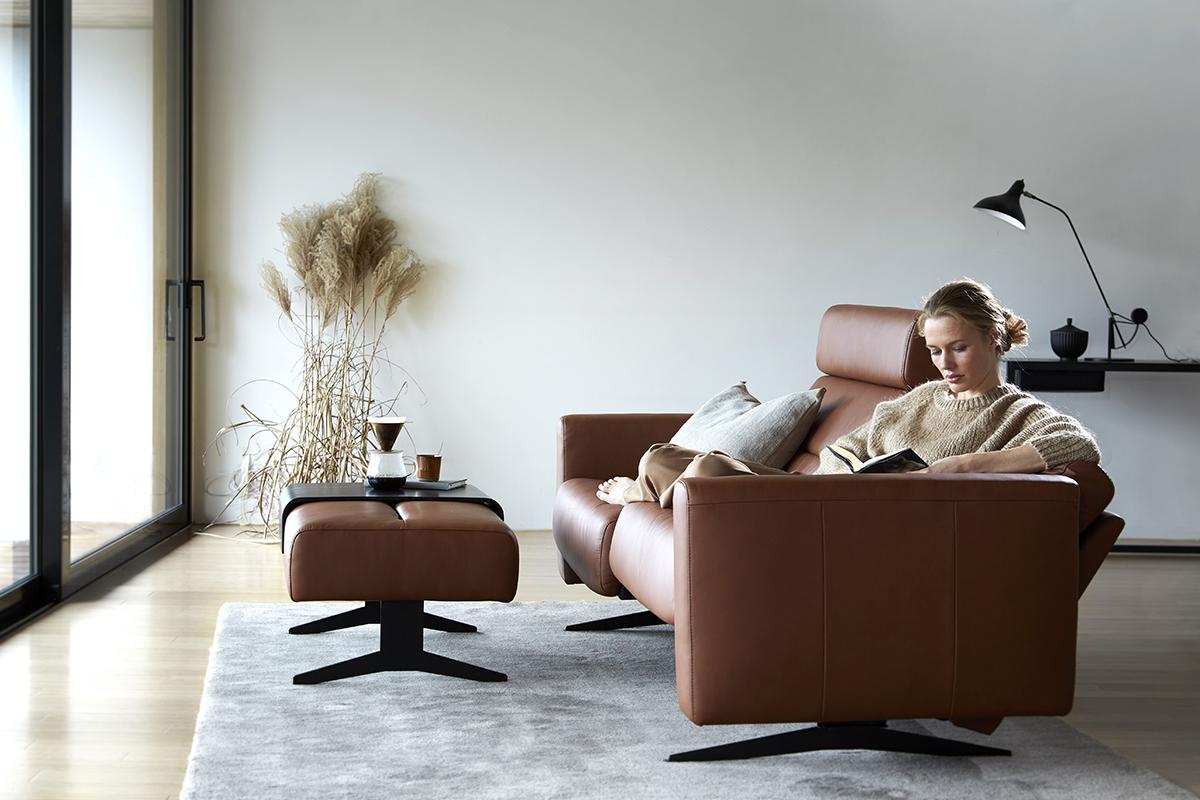 Mit einem guten Buch auf dem Sofa: Literatur aus Norwegen bietet für jeden Geschmack etwas.