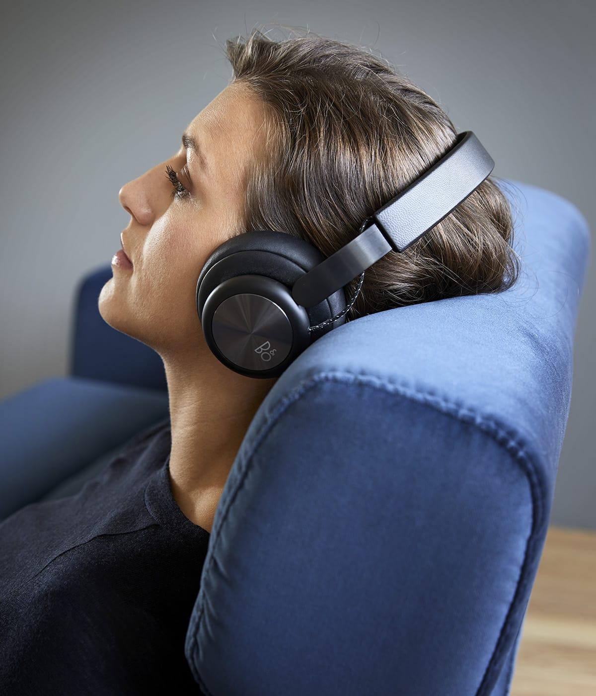 Norwegisches Design lädt dazu ein zu entspannen und neue Kraft zu tanken, etwa auf dem Stressless Sofa Stella.